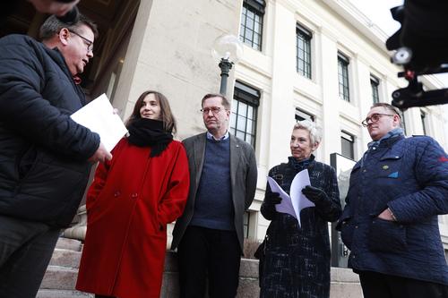 Foto av Johnny Hansen, jusprofessorene Hanna Furuseth og Finn Arnesen, Peggy Hessen Følsvik og Hans Sande